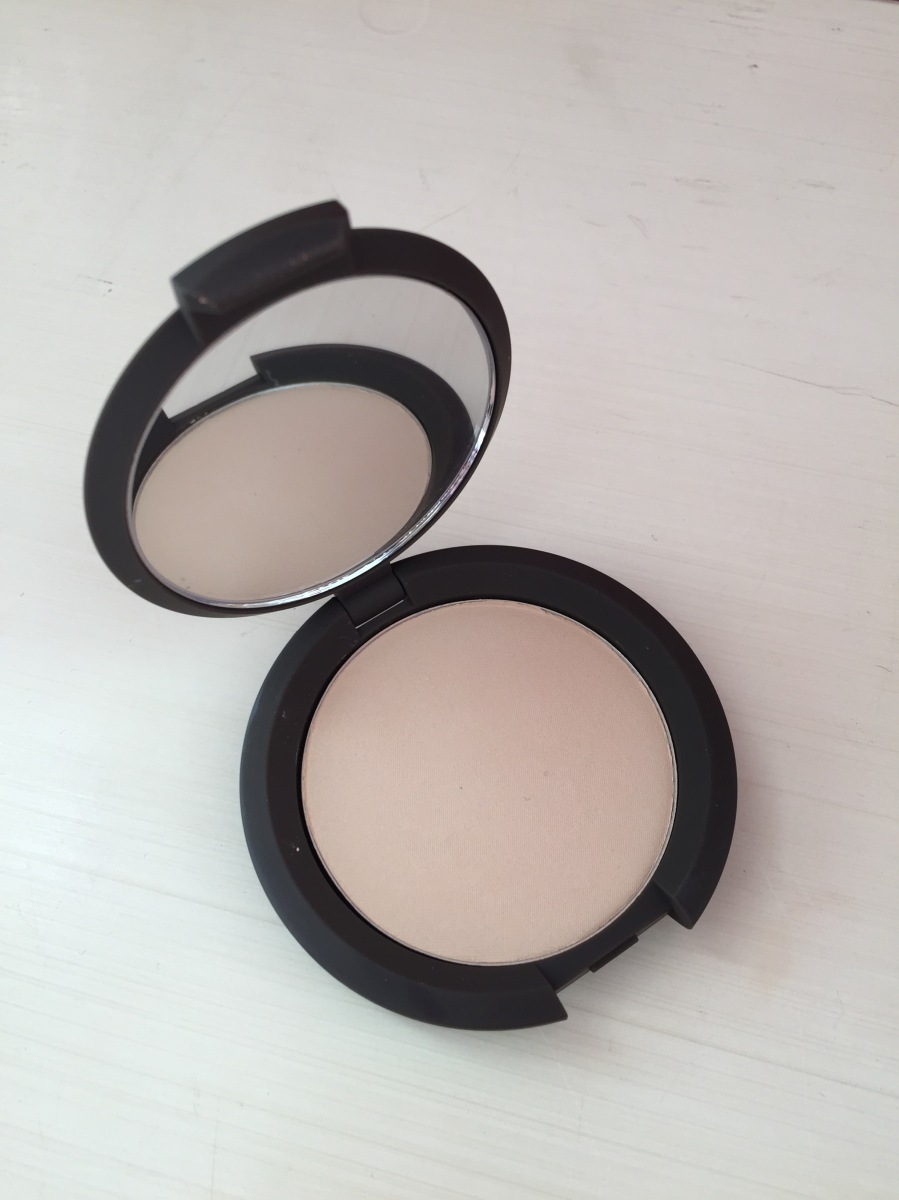 My mixed feelings on the Becca Multi-Tasking Perfecting Powder